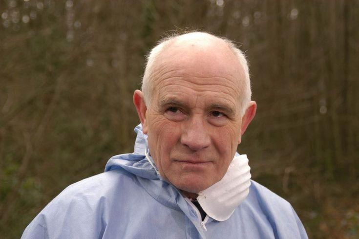 """Von der ersten Folge der TV-Krimiserie """"Midsomer Murders"""" bzw. """"Inspector Barnaby"""" an war er dabei, der Gerichtsmediziner Dr. George Bullard, gespielt von Barry Jackson. Ein sympathischer grauhaari..."""