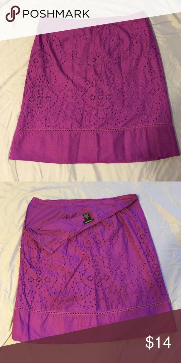 Women's Purple/Plum Lined Skirt with side zipper Women's Purple/Plum Lined Skirt with side zipper; Eyelet Design Lane Bryant Skirts A-Line or Full