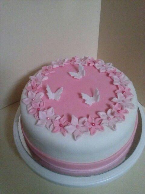 #Girlscake #cake #pretty #butterflies #flowers #cake #butterflycake #flowercake