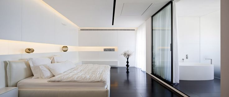 W Apartment / Pitsou Kedem Architect