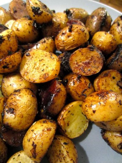 Balsamic Roasted Potatoes From The Lazy Cook  http://recipesjust4u.com/balsamic-roasted-potatoes/