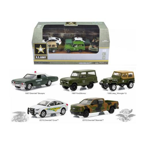 US Army Base 5 Cars Motor World Diorama Set 1/64 Diecast Model Cars by Greenlight