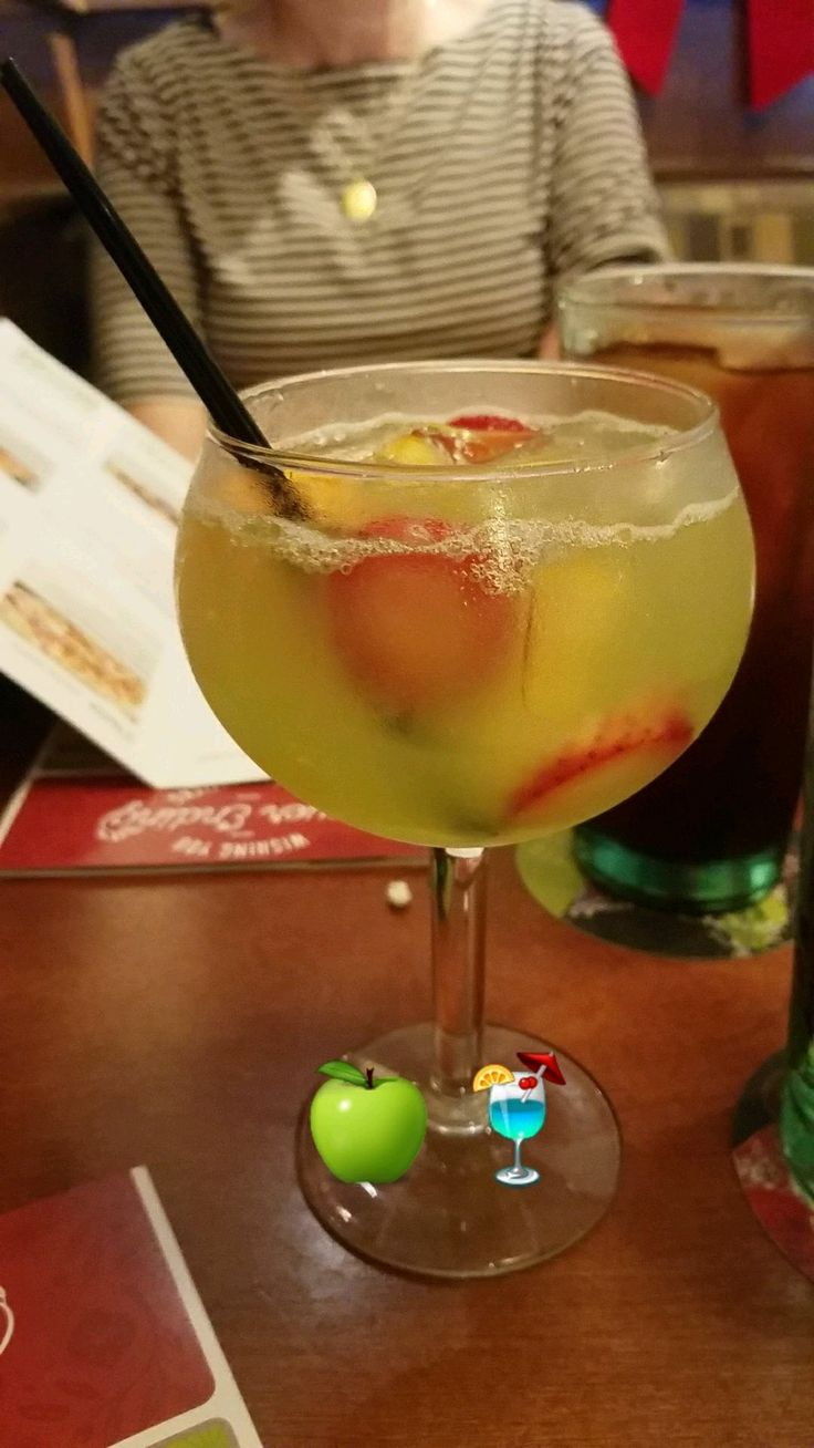 Green Apple Moscato Sangria (Olive Garden)