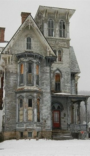Grey Old Abandoned House - I would love to just restore an old house and live there! :)