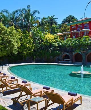 les 25 meilleures id es de la cat gorie hotel lisbonne piscine sur pinterest hotel lisbonne. Black Bedroom Furniture Sets. Home Design Ideas