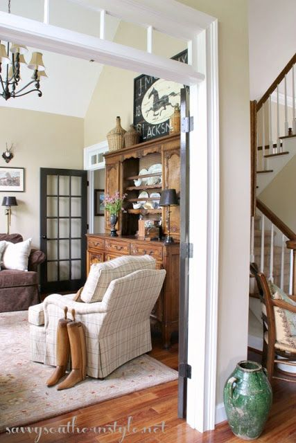 Savvy Southern Style: Summerizing the Antique Vaisselier