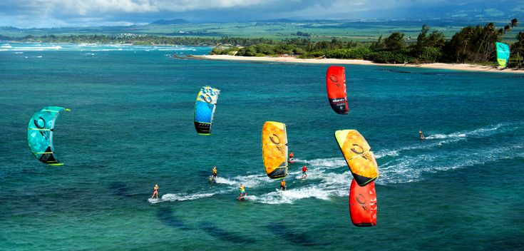 The 2015 Cabrinha Kites collection out on the water off the coast of Hawaii. Seems like most of the familiy has hit the water for a good day of fun. #cabrinha #kiteboarding #kitesurfing #wallpaper