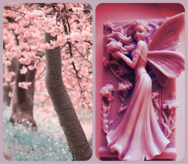 Čerešňové kvety boli inšpiráciou pre ružovú vílu, ktorá je cukríkovo sladká nielen na pohľad, ale i svojou vôňou.Tá je v alternatívach vône aromatickej višne, jemnej orchidey, či sladkého melónu alebo jahody.