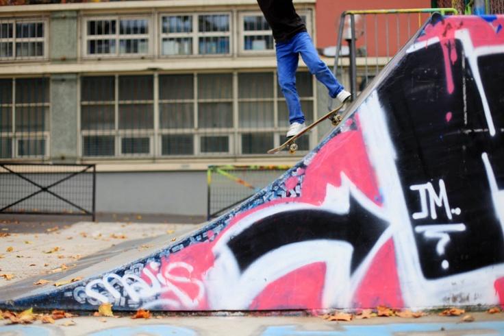 Skate Boarding in Essen:  http://www.xtremespots.com/board-sports/skate-boarding/bowl-essen-kray-essen/