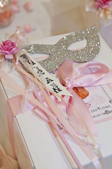 Beautiful Gift Wrapping Idea