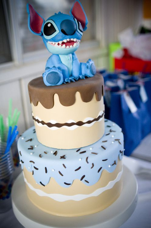Stitch from Lilo and Stitch on top of cake #disney