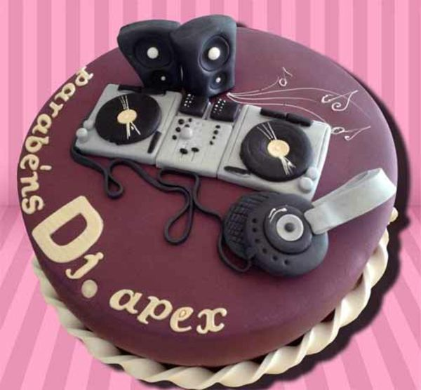 kuchen designs geburtstag musik dj ausstattung