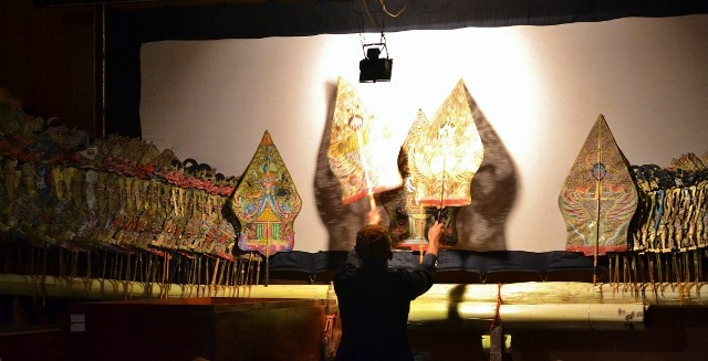 Betawi Purwa Shadow Puppet Performance