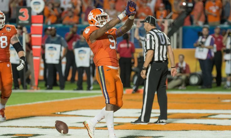 Wayne Gallman has been invaluable to Clemson's season = We all recognize that Clemson quarterback Deshaun Watson's running ability might be the difference against Alabama's suffocating defense in the national championship game on Jan. 11 in Glendale, Ariz.  What many fans may not understand, though, is.....