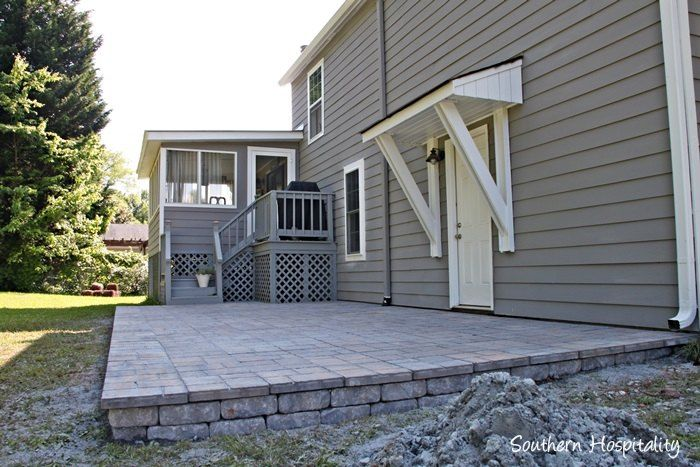 A+Paver+Patio+Installation.  I like the edging!