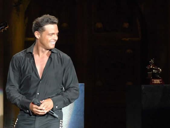 Finalmente serán tres los shows de Luis Miguel en la Argentina
