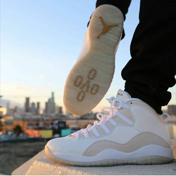 Air Jordan 10 x Drake's OVO