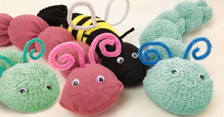 Do stuffed animals of a sock! Translate from Swedish. //En larv, en geting eller en söt liten myra. Här är pysslet du kan göra med alla udda strumpor du har hemma.