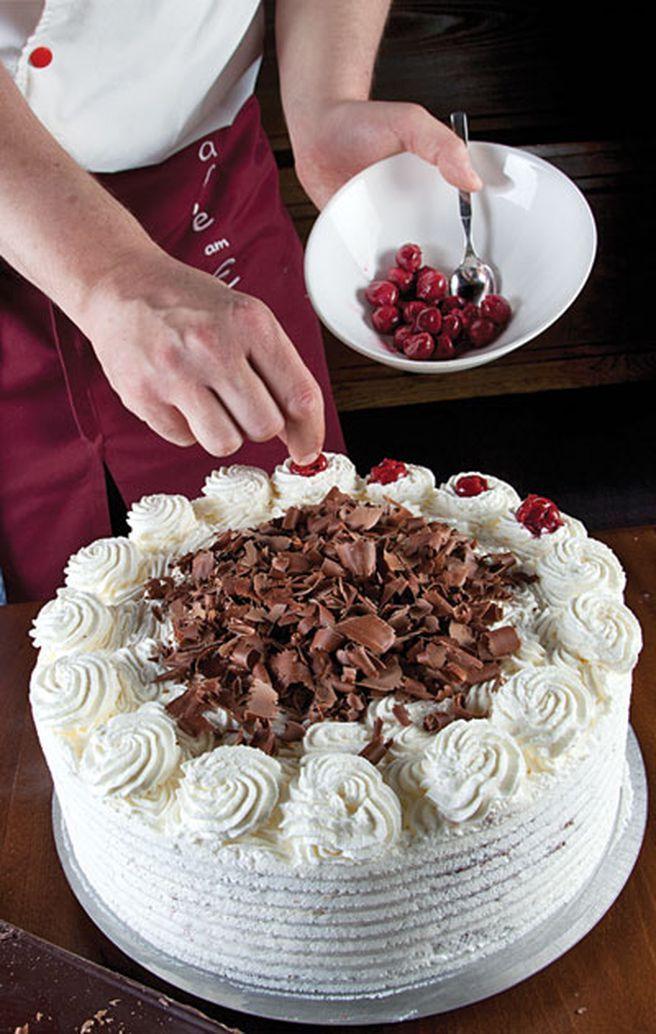 Black Forest Cake (Schwarzwälder Kirschtorte) Recipe – Black Forest