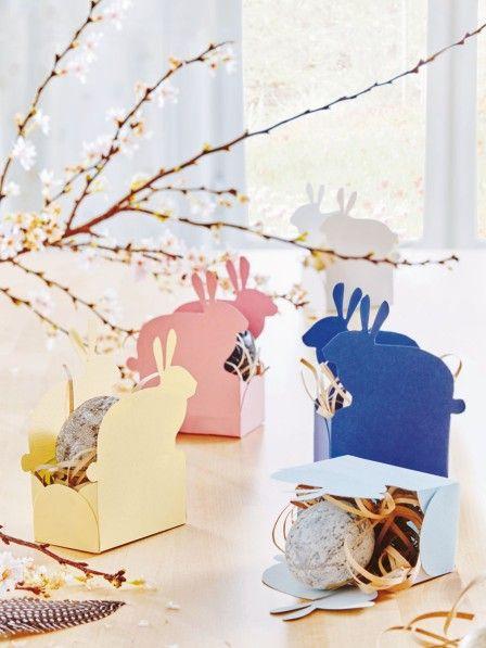 Österliche Naschereien werden dieses Jahr in niedlichen Papierkörbchen in Hasenformen versteckt und wollen gefunden werden.