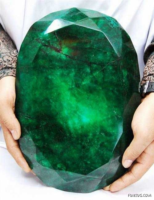 "The Worlds Largest Emerald...Cleopatra Emerald"" - 40,175 carts (cts) making it the largest emerald in the world"