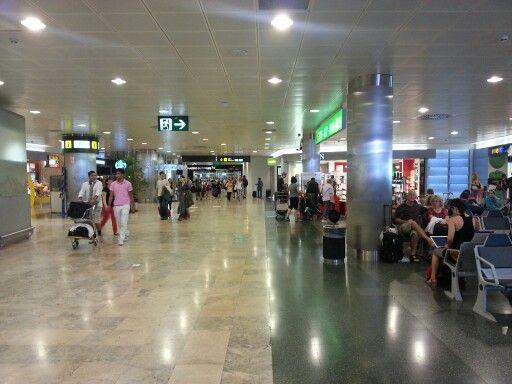 Madris Barajas Airport. Terminal 1. Airside
