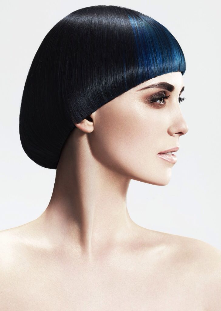 Halo classic cut in black and blue hair color