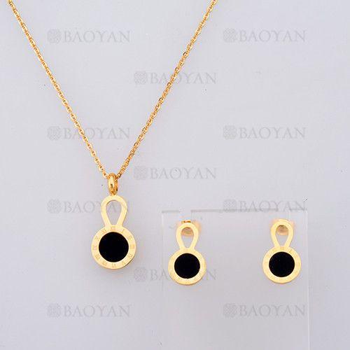 collar y aretes con numero romano de dorado en acero-SSNEG804102