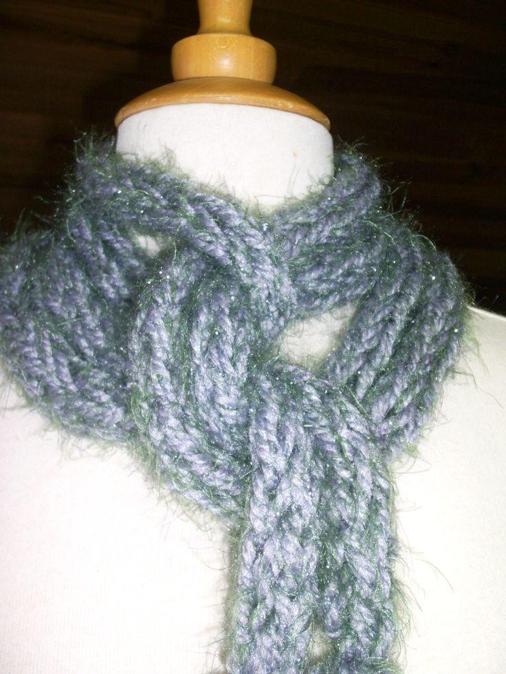 Écharpe tricoté avec les doigts couleur Gris, long 2,75 mètres : Echarpe, foulard, cravate par atelier-g