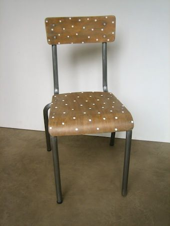 Ancienne chaise d'écolier
