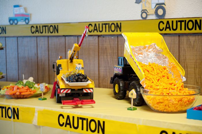 Construction Party - Tonka trucks filled with snacks! Adorable