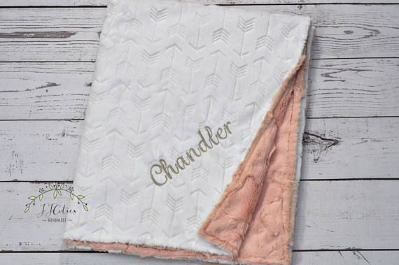 Arrow tribal minky baby blanket for baby shower gift. Newborn gift, swaddling, receiving, stroller, crib, infant, toddler, car seat blanket. This gorgeous baby minky blanket is a great baby shower gift / newborn gift! It fits perfectly with a woodland or tribal nursery decor. This lovely