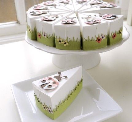 paper cake for favors? So cute!