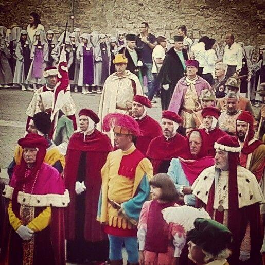 Il corteo storico del 2 settembre che porta in processione il cuore di Santa Rosa, compatrona di #Viterbo