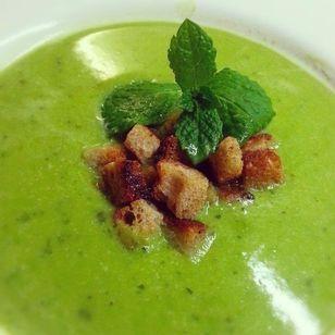 Erbsen-Minz-Suppe (vegan)