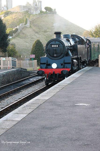 Steam Train, Corfe Castle, Dorset