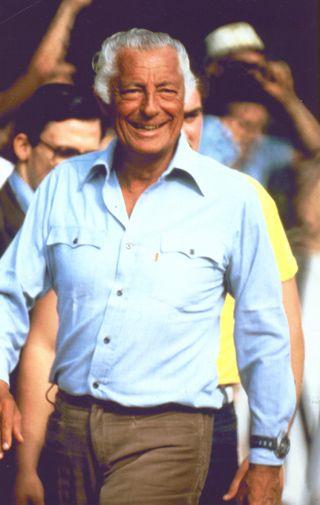 Ritratto di Gianni Agnelli casual style 1982