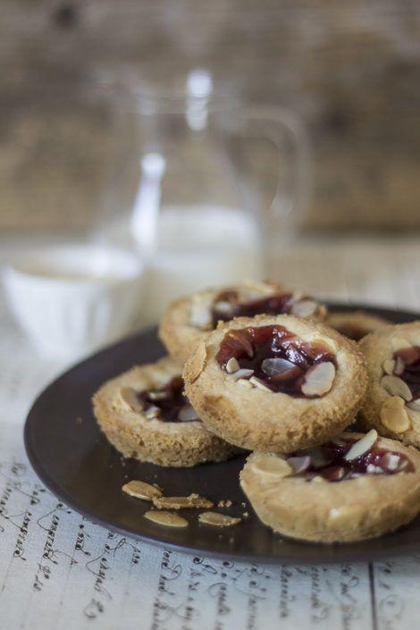 Hallongrottor – dolcetti di frolla ai lamponi - small raspberry treats