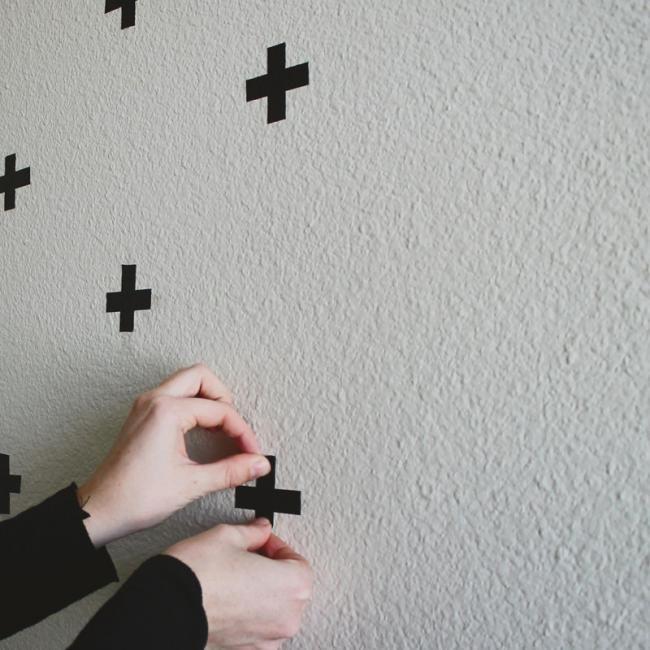 Hazlo tú mismo, estampa una pared con cruces