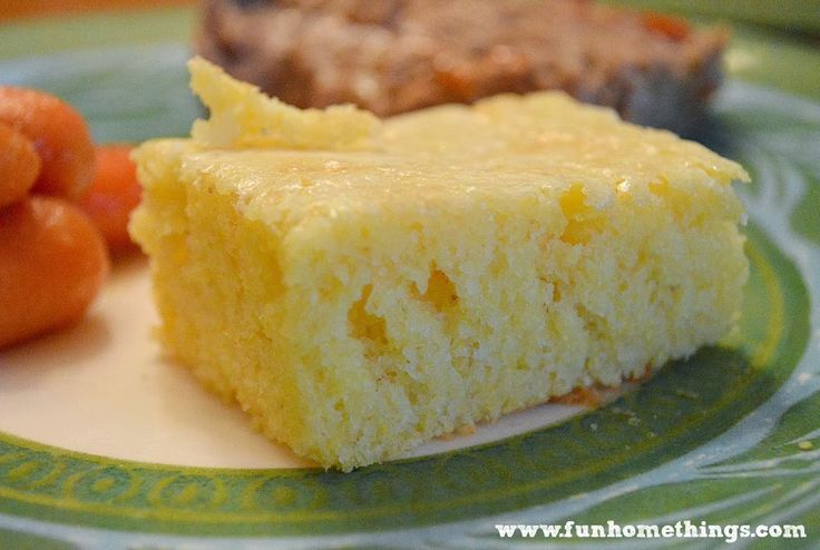You don't have to make cornbread from scratch for it to taste good. I use the Jiffy corn muffin mix. The recipe on the back of the Jiffy box calls for: 1 box Jiffy mix 1 egg 1/3 c. milk I don…