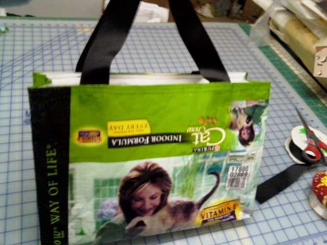 Up cycle pet food bag into grocery tote.