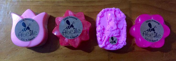 Jabón de Pétalos de Rosa, antibacterial, hidratante, nutre y protege la piel.