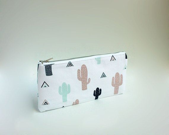 Cactus print case / Cute pencil case / Cactus pencil case / Triangles and cactus / Zipped pouch / Pencil case with metal zipper / Trousse