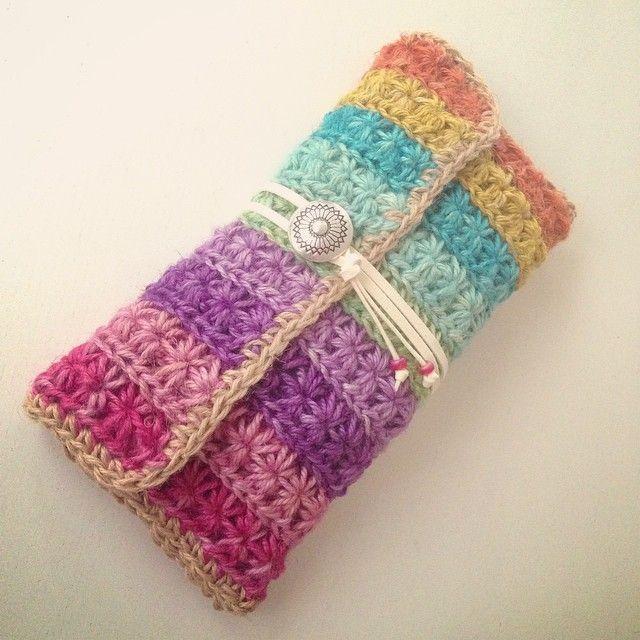 Makiko*☻ @drop134r - rainbow clutch bag✨ #rainbow#bag#cl... • Yooying
