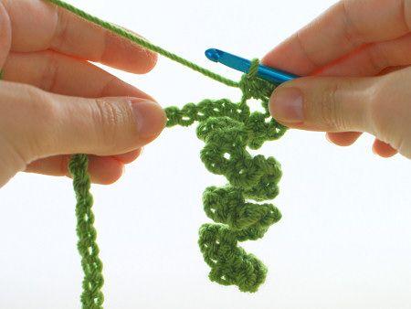 mini wreath ornament crochet pattern by planetjune