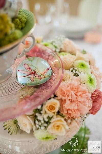 3. Alice in Wonderland Wedding,Centerpieces,Vintage,Tea cup decor / Alicja w Krainie Czarów | Dekoracje stołów,Anioły Przyjęć