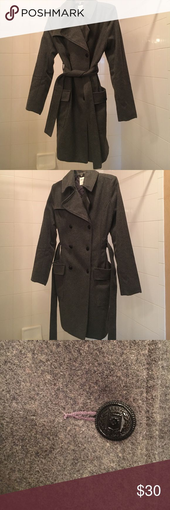 Old Navy long pea coat This Old Navy pea coat can be worn casually or formally. It looks nice with dress pants or a dress for cooler evenings. It has two deep pockets in the front. It was worn one time and is in excellent condition Old Navy Jackets & Coats Pea Coats