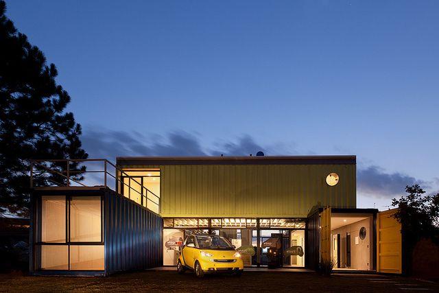 Casa Container by Plínio Dondon, via Flickr