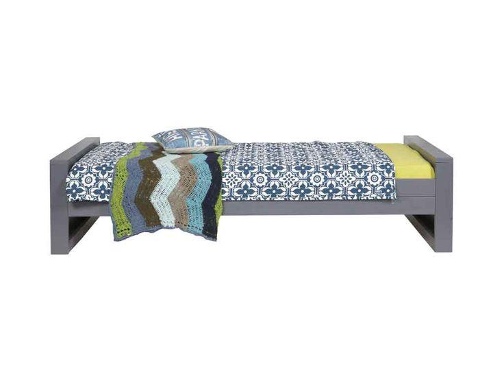 Łóżko sosnowe Dennis - 90x200 cm