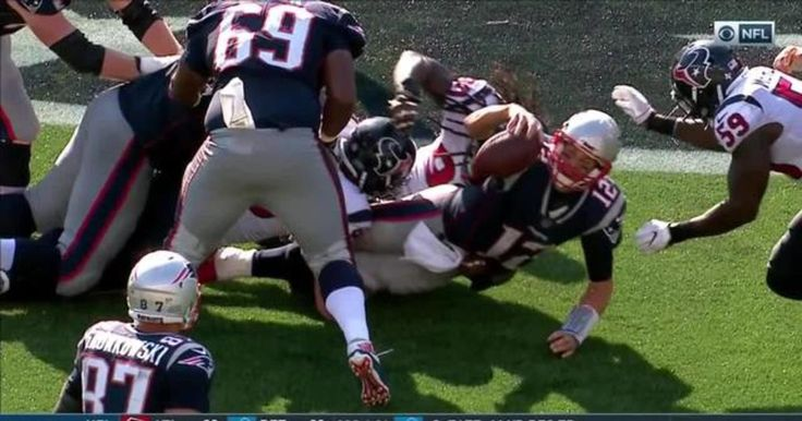 Highlight: Tom Brady magically finds Rob Gronkowski while falling on 8-yard reception